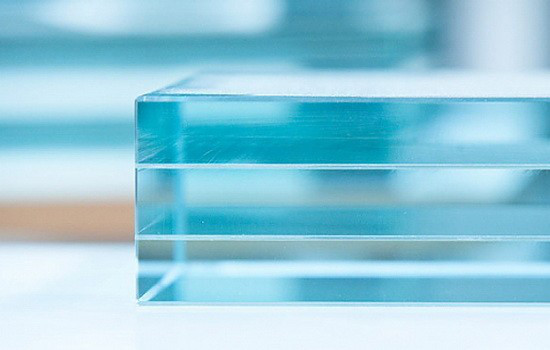 стеклянные перегородки для ванн и душевых кабин