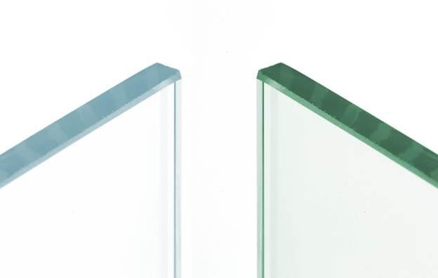 чистое белое прозрачное стекло для душевых кабин
